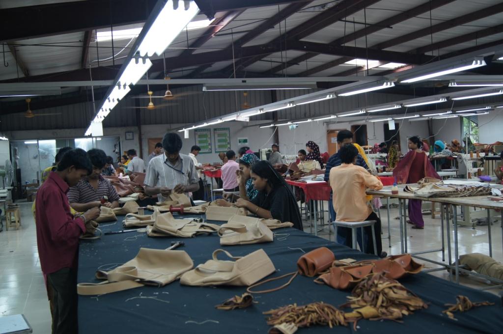 革製品工場