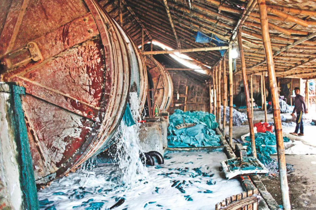 バングラデシュダッカ市内の移転拒否 皮タンナー工場閉鎖を指示