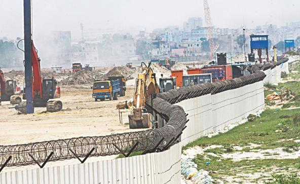 バングラデシュのメトロ鉄道計画は手間取っています。