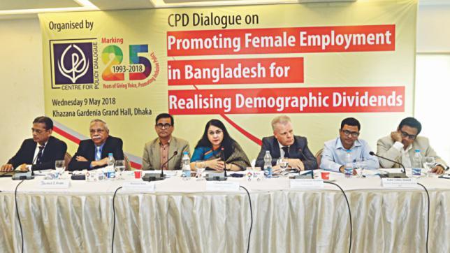 バングラデシュでは、最新機械設備が労働者の雇用を奪っています。