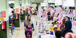 バングラデシュの衣料工場は今のところ生産を継続
